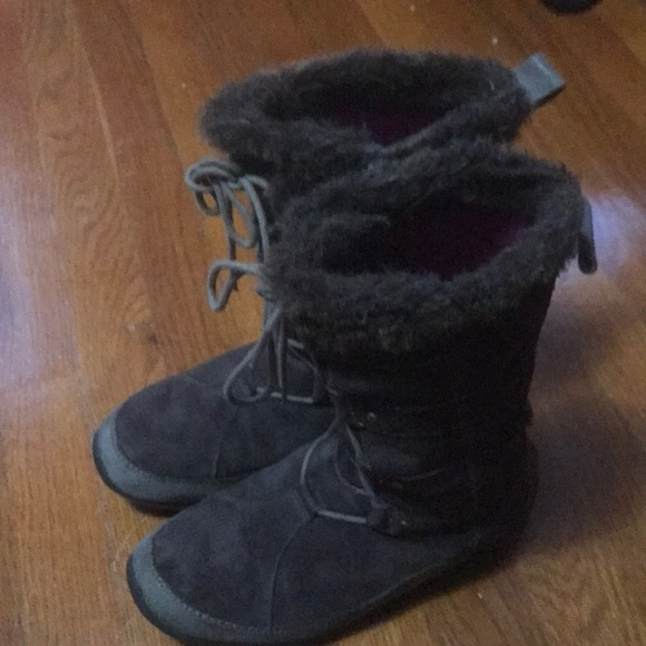 95b0a614c North Face Primaloft 200 grams Suede Boots Womens